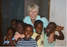 Liz Jennings and the children of ray of hope school